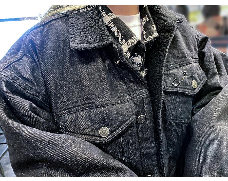 BBD-Shearling-Collar-Graffiti-Logo-Denim-Jacket-%28Black%29-2.jpg